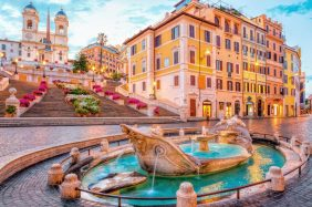 Rome Fountains: the most beautiful and popular. La Barcaccia at Piazza di Spagna