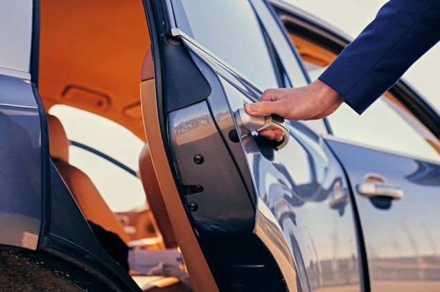 Transfer Rome Fiumicino Airport - Exclusive car rent with driver